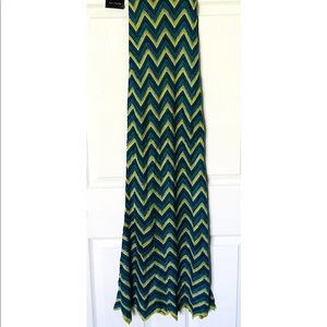 bebe Dresses - NWT Bebe Tropic Zig Zag Maxi Dress